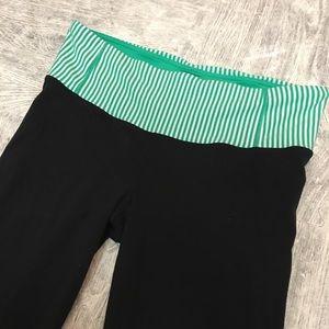 Lululemon crop pant black size 8 green